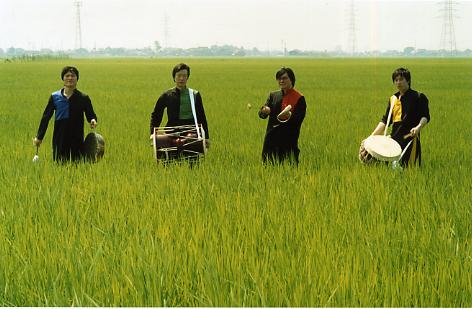 puri2006aki-main72.jpg